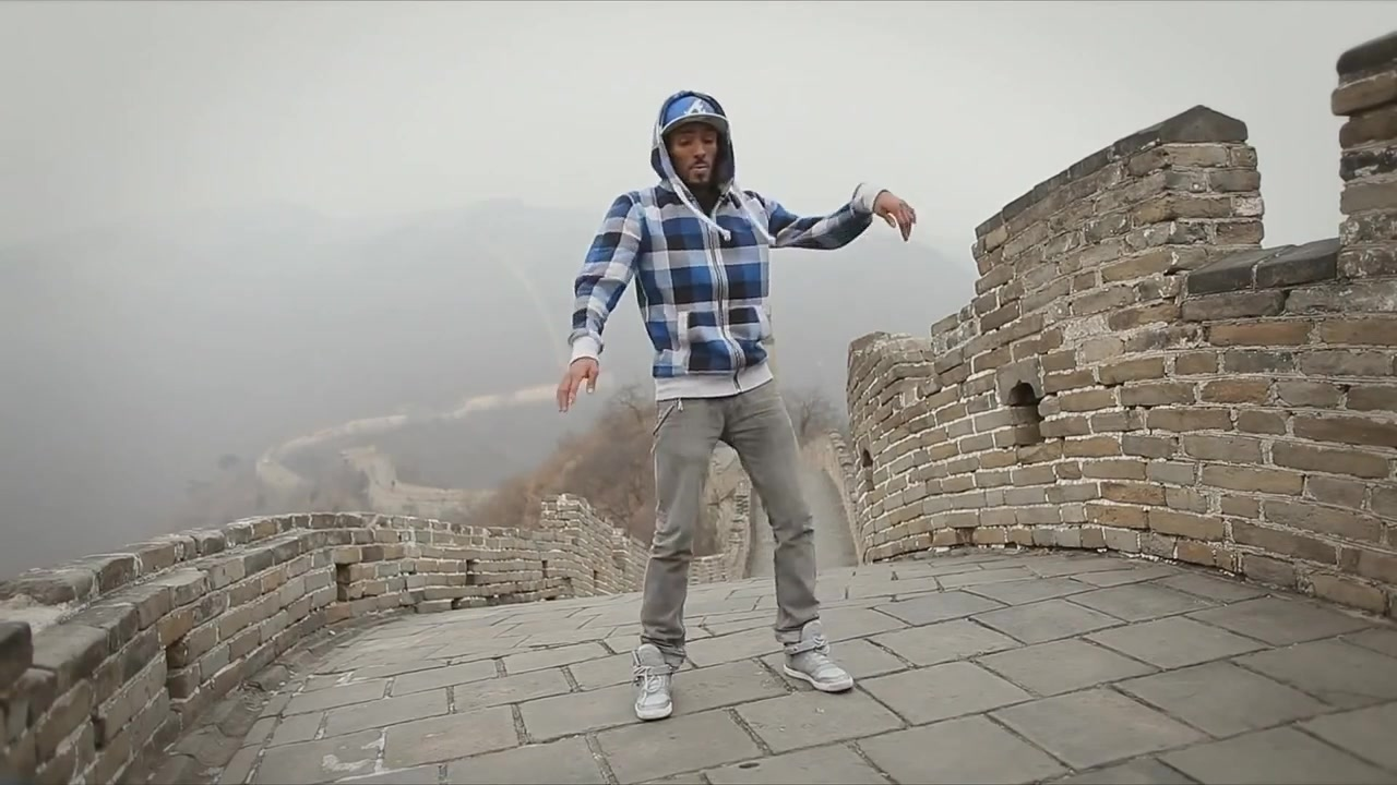 Marquese Scott Dubstep Dance Skills - Great Wall of China